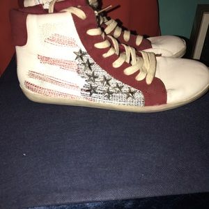 Shoe dazzle high tops
